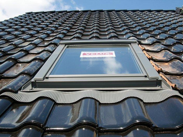 tag 43 dachfl chenfenster fertig schornstein garagendach w rsty seine haus seite. Black Bedroom Furniture Sets. Home Design Ideas