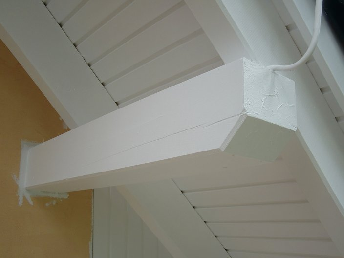 tag 57 dachkasten sparren und pfetten lackieren. Black Bedroom Furniture Sets. Home Design Ideas