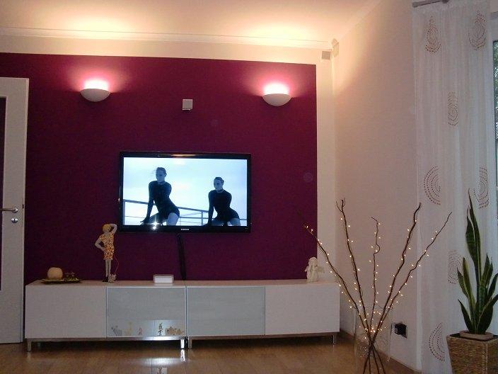 fernseher an die wand montiert w rsty seine haus seite. Black Bedroom Furniture Sets. Home Design Ideas